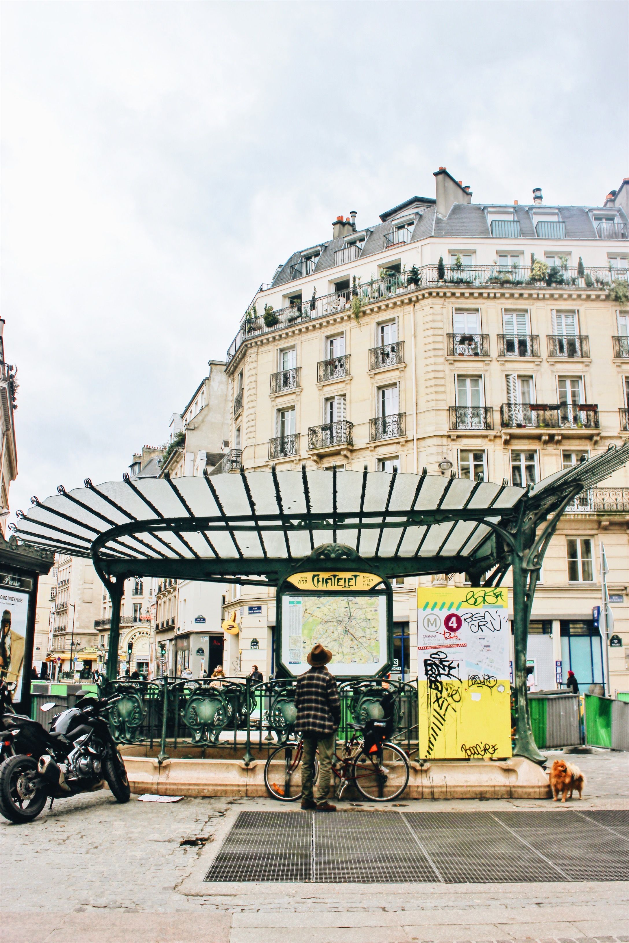 chatelet paris metro station